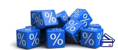 Начисленные проценты суммируются и капитализируются на счёту раз в три месяца. Это означает, что все полученные проценты просто прибавляются к остатку по счёту. Раз в квартал увеличивается доход.
