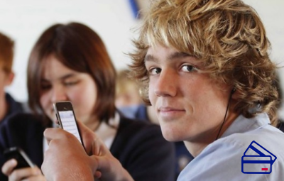 Наличие собственного телефона является важным условием при получении кредита на обучение